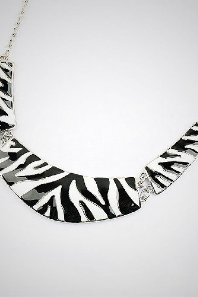 zebra bib necklace Large Photo