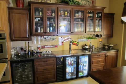 Custom hardwood bar for sale Photo