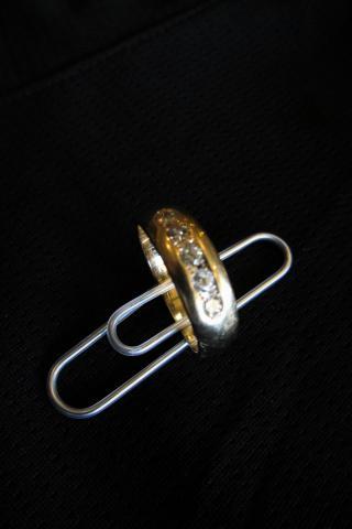 10K yellow gold wedding band Photo