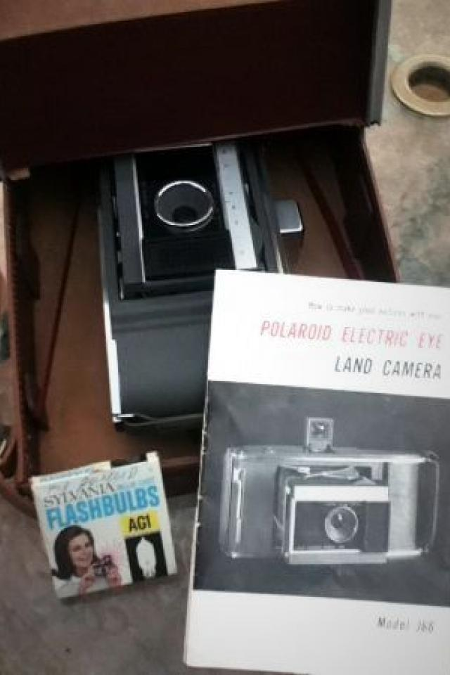 POLAROID ELECTRIC EYE - Land Camera Model J66 w/ Case & Manual (1961