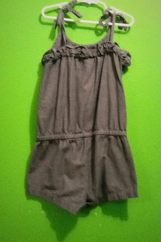 Girls used Summer clothes in good condition  Photo